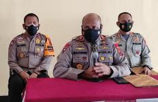 Anggota Brimob 25 Orang, Kelompok Kriminal Bersenjata Lebih Banyak, Warga Mengungsi - JPNN.com