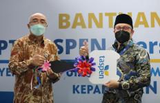 PT Taspen Serahkan Bantuan Ambulans Untuk Polri dan BKN - JPNN.com