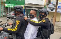 Pria Seperti Penyidik Polri Itu Jatuh Cinta Kepada Gadis Satpol PP, Tetapi Sayang.. - JPNN.com