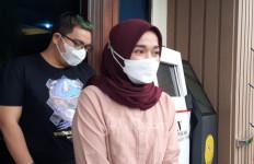 Ririe Fairus Rayakan Lebaran Pertama Tanpa Ayus - JPNN.com