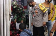 Aksi Teror Bom Molotov di Aceh Utara Terekam CCTV, Dua Pelaku Masih Diburu Polisi - JPNN.com