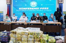 Bea Cukai dan BNN Sergap Kapal Pembawa 73,52 Kg Sabu-sabu dan 35.915 Butir Ekstasi - JPNN.com