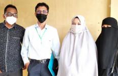 Simak Pengakuan Istri Terduga Teroris yang Mendatangi Polda Sumut - JPNN.com