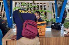 Polisi Sediakan Swab Test di PN Jakarta Timur, Siap Bawa Pendukung Rizieq yang Positif ke Wisma Atlet - JPNN.com