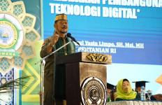 Orasi Ilmiah di Unhawa, Mentan Bahas Sarjana dan Pertanian Modern - JPNN.com