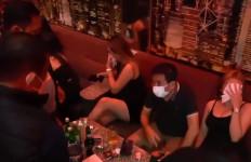 Razia Protokol Kesehatan di Tangsel, Polisi Ciduk 5 Pengguna Narkoba - JPNN.com