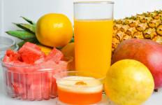 3 Manfaat Rutin Minum Jus Mangga Campur Nanas, Salah Satunya Mencegah Penuaan Dini - JPNN.com