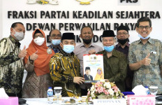 Terima Aspirasi TP3 6 Laskar FPI, FPKS Mendukung Penegakan Hukum Berkeadilan - JPNN.com