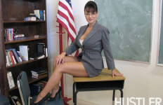 Ramaikan Acara, 'Palin' Menari Striptis - JPNN.com