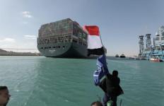 Ever Given Bebas, Ratusan Kapal Transit di Terusan Suez Hari Ini - JPNN.com