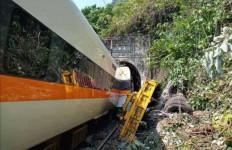 Kecelakaan Kereta Api di Taiwan Renggut 48 Nyawa, Belum Ada Laporan soal WNI - JPNN.com