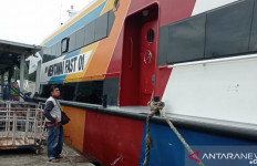 Cuaca Ekstrem, Kapal Cepat Padang-Mentawai Batal Diberangkatkan - JPNN.com