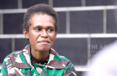 Perjuangan Serda Lisbeth Duwith Jadi Prajurit TNI, Ditembaki Amunisi Tajam - JPNN.com