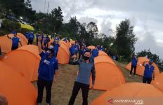 AHY Bermalam di Tenda Lereng Gunung Ungaran - JPNN.com