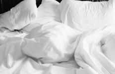3 Tips Mudah Tidur Kembali Setelah Terbangun Tengah Malam - JPNN.com