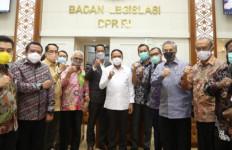 Baleg DPR Harapkan Revisi UU SKN Jadi Dasar Pelaksanaan Desain Besar Keolahragaan - JPNN.com