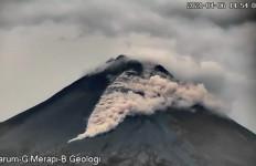 BPPTKG: Gunung Merapi 2 Kali Meluncurkan Awan Panas, dan 44 Kali Gempa - JPNN.com