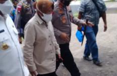 Terbang ke NTT, Mensos Risma Pastikan Kebutuhan Korban Bencana Terpenuhi - JPNN.com