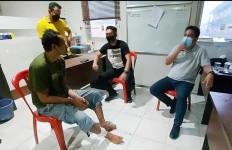 Pencuri Spesialis Ban Serep Truk Keok Ditembak Polisi, Sekarang Kakinya Bolong - JPNN.com