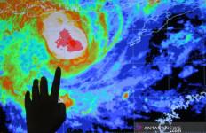 5 Berita Terpopuler: Waspada Siklon Tropis Seroja,Yayasan Keluarga Soeharto Harus Angkat Kaki, Tagih Janji Mahfud - JPNN.com