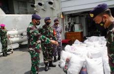TNI AL Kerahkan KRI Membawa Bantuan Menuju Lokasi Bencana Alam di NTT - JPNN.com