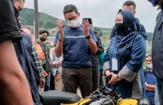 Menteri Sandiaga Kecantol Motor Listrik Keren Ini - JPNN.com