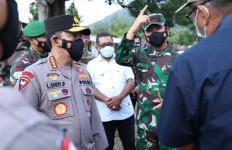 Tinjau Lokasi Bencana Alam di NTT, Panglima TNI dan KapolriTekankan Distribusi Bantuan Tepat Sasaran - JPNN.com