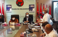 Forum Pensiunan BUMN Nasabah Jiwasraya Bertemu Fraksi PDIP, Curhat soal Masalah Ini - JPNN.com