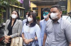 Anak Yuyun Sukawati Dihajar Fajar Umbara, Kelingkingnya Patah - JPNN.com