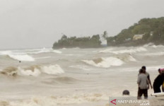 Dihantam Badai Seroja, 2 Nelayan NTT Terseret hingga Australia - JPNN.com