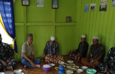 Jelang Ramadhan, Satgas Pamtas RI-Malaysia Yonif 642 Bersama Warga Gelar Doa Bersama - JPNN.com
