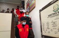 Kejari Karangasem Tahan 5 Tersangka Korupsi Bedah Rumah - JPNN.com