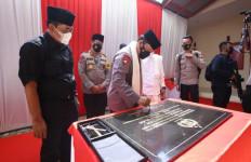 Jenderal Listyo Sigit Dikalungi Serban Putih oleh Ulama Banten - JPNN.com