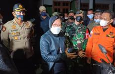 Mensos Risma Bakal Merelokasi Rumah Warga yang Terdampak Gempa Malang - JPNN.com