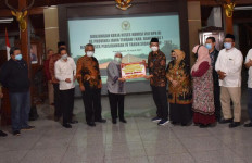 Komisi VIII DPR Salurkan Bantuan untuk Penanganan Bencana di Banyumas - JPNN.com