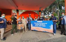 Bantuan dari Danone Diterima Langsung oleh Kepala BPBD Kabupaten Malang - JPNN.com