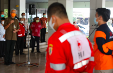 Pak Ganjar Kirimkan Sukarelawan dan Bantuan Logistik Senilai Rp500 juta ke NTT - JPNN.com