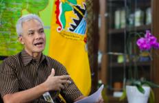Puji Langkah Pak Ganjar, Moeldoko: Enggak Usah Pusing-pusing Lagi - JPNN.com