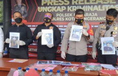 Bahan Baku Kosmetik Dijadikan Alkohol, Nyawa 3 Pemuda Melayang - JPNN.com