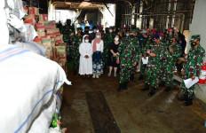 KSAL Melepas KRI Tanjung Kambani-971 yang Membawa Bantuan ke Flores NTT - JPNN.com