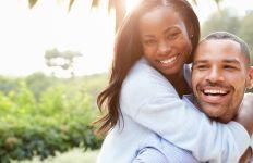 6 Hal Pada Pria yang Bikin Wanita Jatuh Hati - JPNN.com