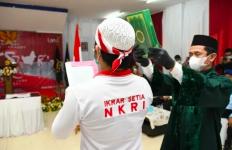 Lihat Nih Puluhan Napi Teroris Bersumpah dengan Al-Qur'an, Siap Setia pada NKRI - JPNN.com