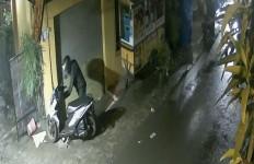 Malam Itu Suasana Agak Sepi, 2 Orang Ini Beraksi - JPNN.com