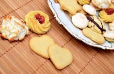 Waspada, Ini 5 Bahaya Makan Kue Lebaran Secara Berlebihan - JPNN.com