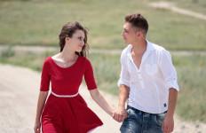 5 Tanda Dia Pria Idaman Anda, Jangan Dilepas - JPNN.com