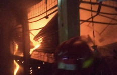 Kebakaran di Pasar Cibinong Bogor, Penyebabnya Belum Diketahui - JPNN.com