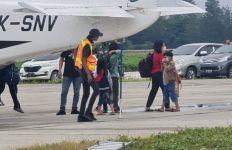3 Warga Sipil Memilih Bertahan di Beoga, Puluhan Lain Sudah Dievakuasi ke Timika - JPNN.com