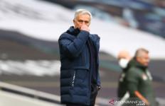 Pogba Lontarkan Kritikan, Mourinho Malah Menanggapi Begini - JPNN.com