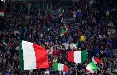 Italia Izinkan Penonton Masuk Stadion Mulai Mei - JPNN.com