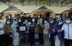 Azis Syamsuddin Salurkan Bantuan Kepada Masyarakat Terdampak Badai Seroja di NTT - JPNN.com